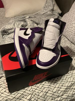 Jordan 1 purple courts size 10 for Sale in Miami Gardens, FL