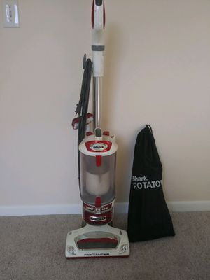 Shark rotary professional vacuum for Sale in Fort Lauderdale, FL
