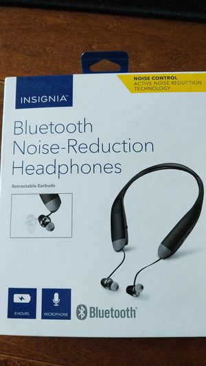 Insignia Bluetooth noise reduction headphones for Sale in Fresno, CA