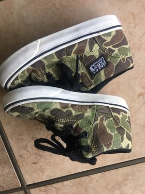 Vans camouflage half cab skate shoes size 8.5c for Sale in Rancho Cucamonga, CA