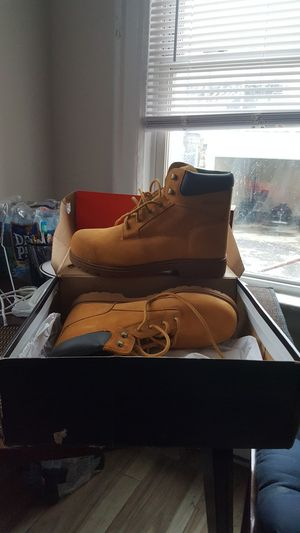 """6"""" wolverine working boots size 12 for Sale in Paterson, NJ"""