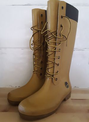 Womans Sz 7 Rubber Timberland Boots for Sale in Hillsville, VA
