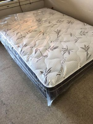 Queen pillow top mattress with boxspring for Sale in San Bernardino, CA