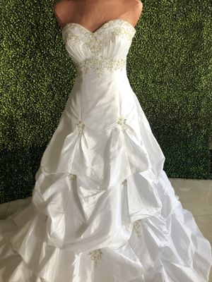 Wedding or Quinces dress for Sale in Miami, FL