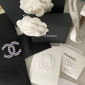 Large Chanel 19C CC Brooch $600 Obo for Sale in Beverly Hills, CA