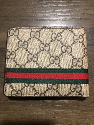 Gucci mens wallet for Sale in Naples, FL