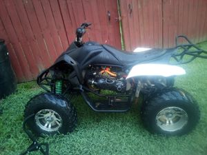 200 cc atv my son lost the key but it starts up very easy and runs perfect for Sale in Stockbridge, GA