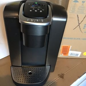 Keurig K Elite single serve coffee maker iced coffee open box excellent condition in original packaging. Never used for Sale in Las Vegas, NV