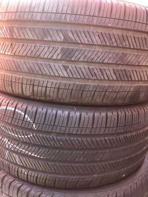 Good year tires 285-45-22 75% tread life free installation for Sale in Whittier, CA