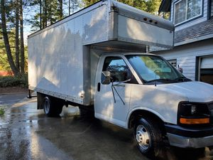 2005 chevy express 3500 box van for Sale in Port Orchard, WA