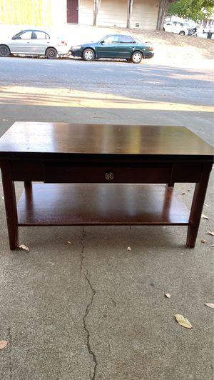 Coffee table for Sale in Sacramento, CA