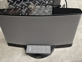 Bose Speaker With Aux Plug for Sale in Happy Valley,  OR