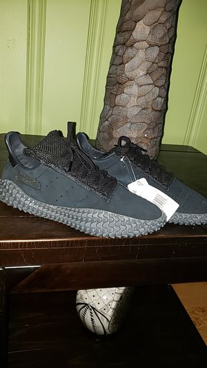 Adidas KAMANDA Triple Black for Sale in Chicago, IL