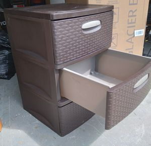 3 drawer plastic storage bin for Sale in Durham, NC