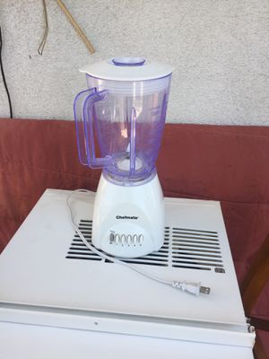 Chefmate . Blender with plastic glass for Sale in Inglewood, CA