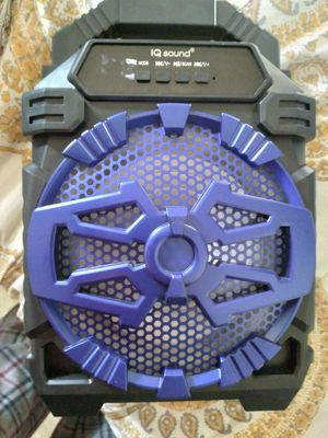 Blue tooth speaker for Sale in San Diego, CA