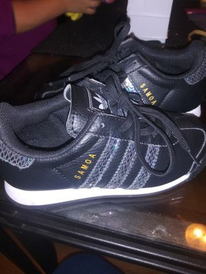 Adidas size 12 kids for Sale in Chicago, IL