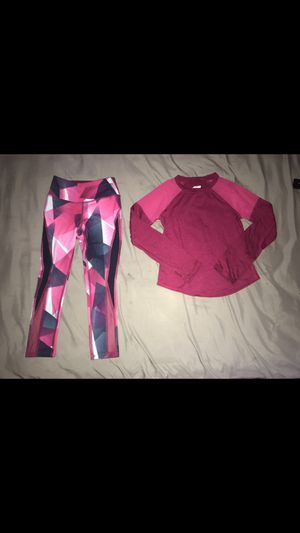 Kids 4t/5t pink workout clothes for Sale in Rosemead, CA