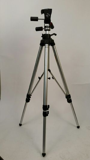 Bogen 3036 Tripod w/ head - Warehouse Sale - By Appointment Only for Sale in Port Orchard, WA