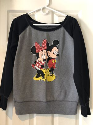 Disney Mickey and Minnie sweater New woman's size large for Sale in Anaheim, CA