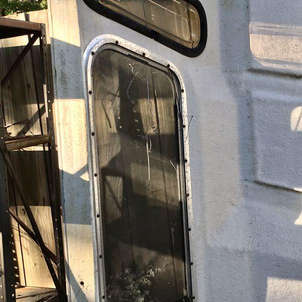 Fiberglass camper cap Chevy S10 S15 Sonoma 1980 - 1990