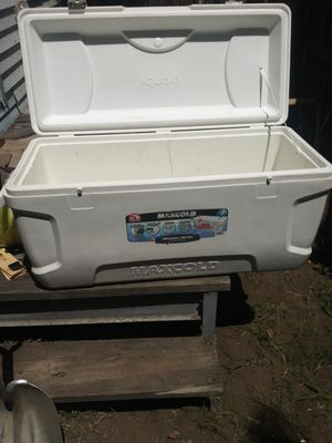 Igloo 150 qt. Make offer for Sale in Denton, TX