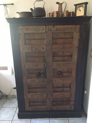 VINTAGE ARMOIRE FOR SALE!! for Sale in Long Beach, CA