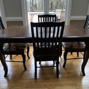 Cochrane Maple Estate Kitchen Table With Leaf And Chairs for Sale in Raleigh, NC