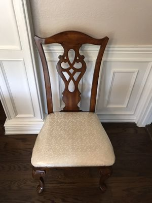 Beautiful Solid Wood Dining Chair/Wooden Chair/Patio for Sale in Irving, TX