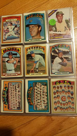 (148) 1972-1973 Topps Baseball Cards for Sale in Fontana, CA