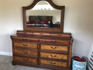 Bedroom set for Sale in Fall Creek, OR