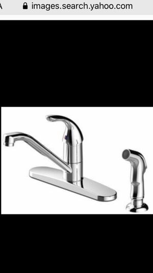 New kitchen faucet with sprayer for Sale in Long Beach, CA