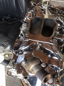 SBC Chrome Aftermarket Intake Manifold (cyclone) for Sale in Calumet City,  IL