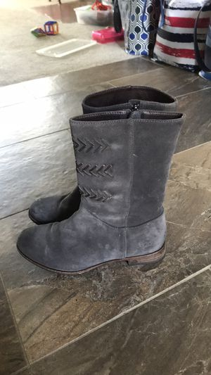 Ugg Cailyn Boot for Sale in Troy, MI