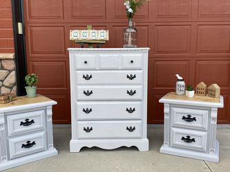 Dresser and Nightstands for Sale in Nampa,  ID