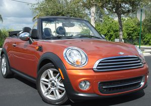 2011 MINI COOPER CONVERTIBLE, 1.6L 4Cyl, 6-SPD MANUAL TRANS, CLEAN for Sale in Hollywood, FL
