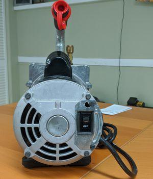 6CFM Vacuum Pump for Sale in Elgin, IL