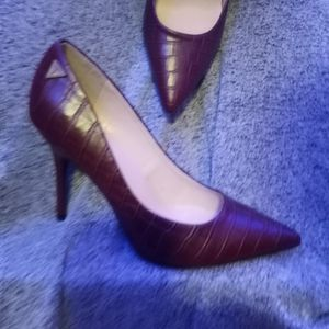 Burgendy Red Heels From Guess Size 7.5 Brand New for Sale in Roswell, GA
