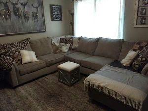 Sectional couch for Sale in Milwaukee, WI
