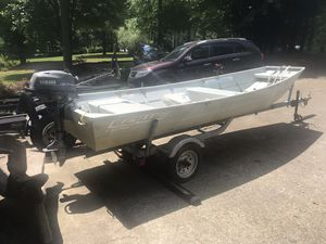 Lowe John boat for Sale in Alpharetta, GA