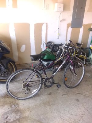 Woman's Mountain Bike for Sale in Lancaster, TX