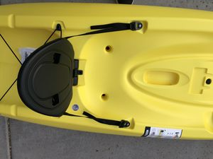 LIFETIME 8.5 FOOT KAYAK SIT ON TOP BRAND NEW WITH PADDLES for Sale in Phoenix, AZ