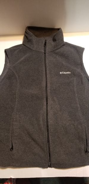 WOMEN'S COLUMBIA VEST SZ.XL for Sale in Fort Smith, AR