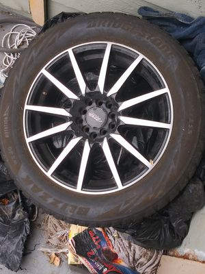 17 inch universal rims got all 4 but they need new tires for Sale in Lakewood, CO
