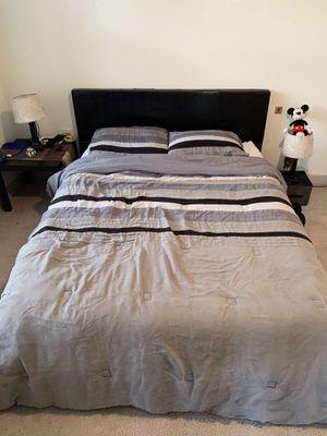 Queen Size Bedroom Set for Sale in Richmond, VA