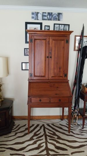 Ethan Allen secretary desk for Sale in Westland, MI