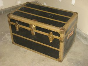 Antuque? Steamer trunk for Sale in Riverside, CA
