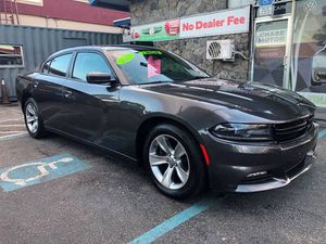 2017 DODGE CHARGER SXT for Sale in Miami, FL
