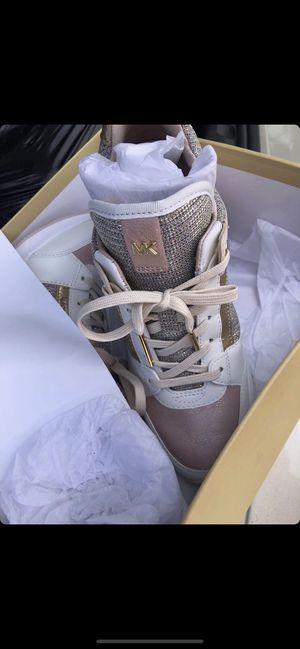 Michael kors womens heel tennis shoe for Sale in Tampa, FL
