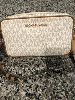 Michael KORS Crossbody Bag for Sale in Chino, CA